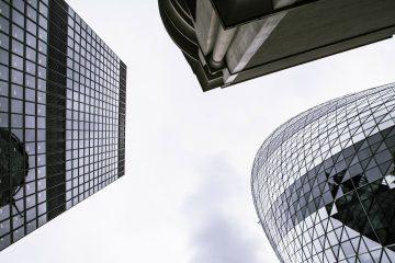 """אילו פרמטרים חשוב לדעת לפני השקעה בנדל""""ן"""